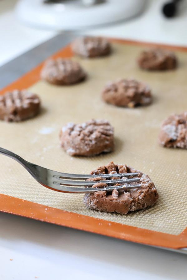 Criss cross chocolate peanut butter cookies.