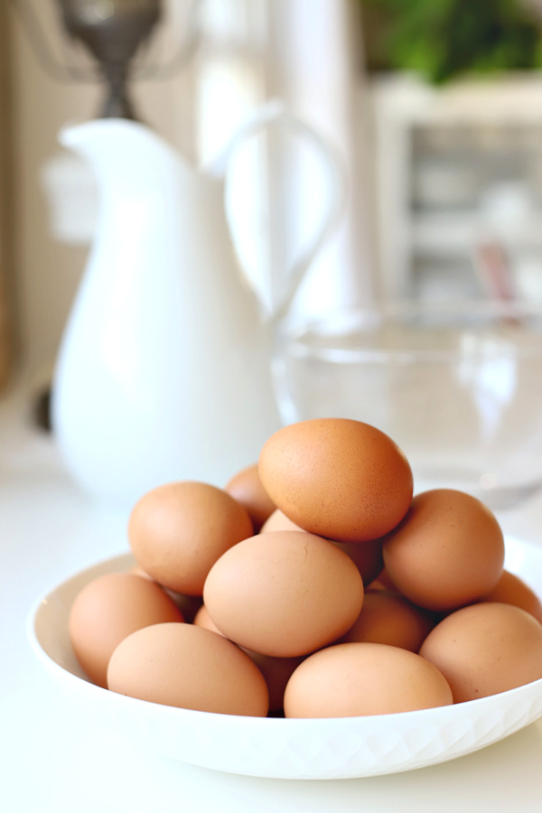 natural brown eggs for Easter bread