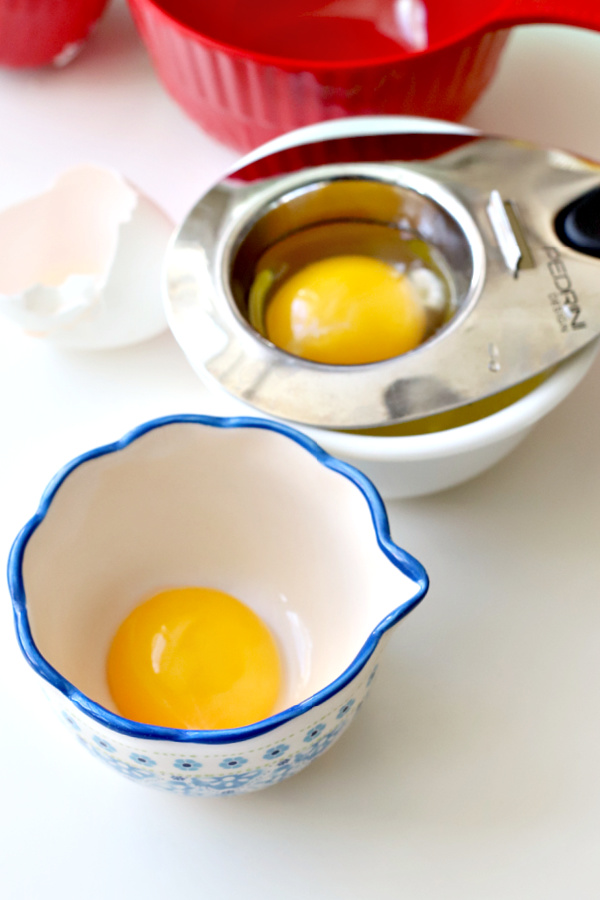 Separating egg yolks for chocolate cream pie