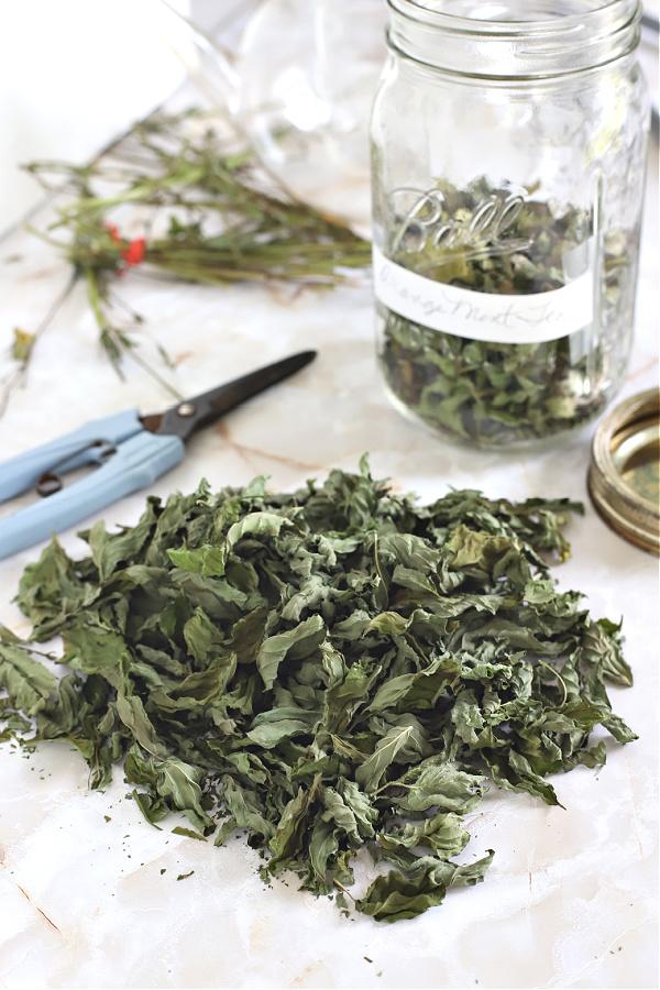 dried leaves for herbal orange mint tea